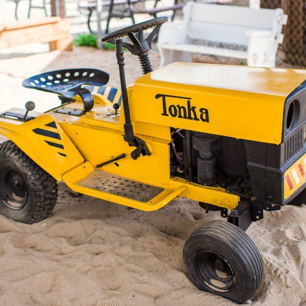 yello tonka tractor, tractor town, D Dutchmen Dairy, Sicamous BC